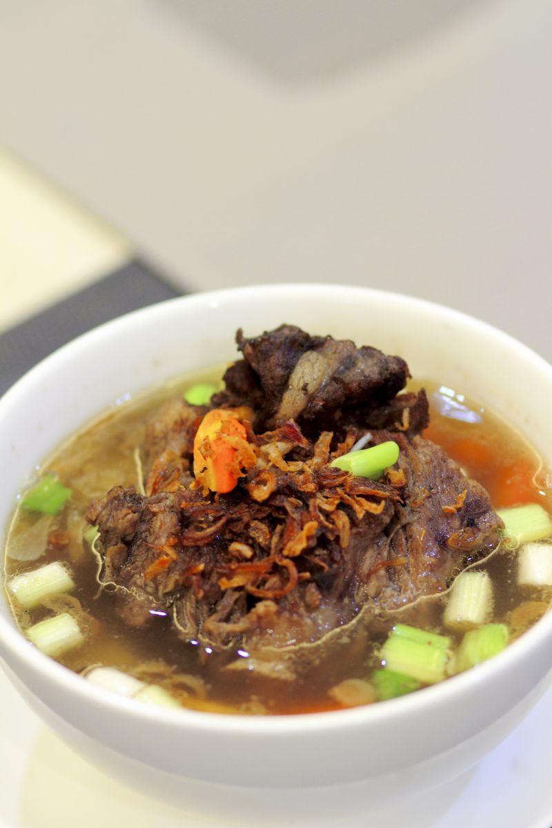 Soup Buntut Rel Bengkong